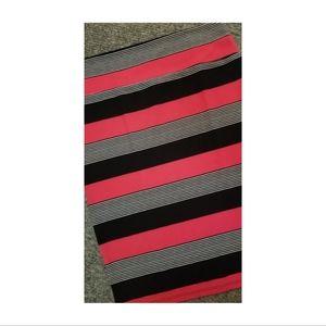 Lularoe Cassie Midi Pencil Skirt in Red & Black